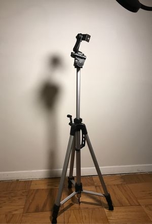 Camera tri pod with bag and LED Lamp with remote for Sale in Alexandria, VA
