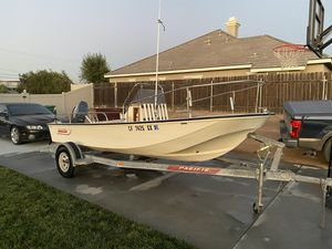 1981 BOSTON WHALER CENTER CONSOLE 17ft with YAMAHA 60HP ENGINE for Sale in Ontario, CA