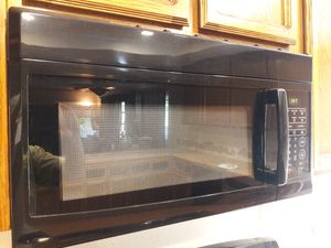 Ge gas stove and microwave and Maytag dishwasher for Sale in Rancho Cucamonga, CA