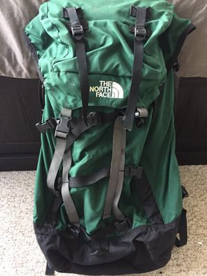 North face hiking backpack 60L + for Sale in Chicago, IL