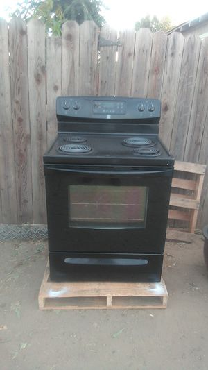 Kenmore electric Stove self cleaning for Sale in Modesto, CA