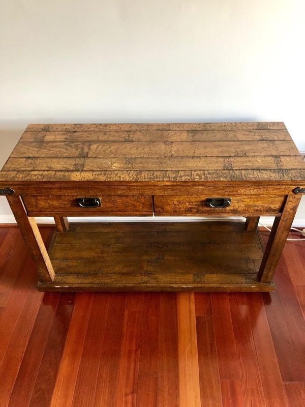 Haverty's Console table