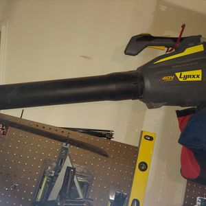 Lynx Electric Leaf Blower for Sale in Pleasant Hill, IA