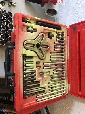 Snap on bolt grip puller set for Sale in El Paso, TX