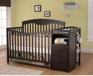 4 in 1 crib with changing table for Sale in Chicago, IL