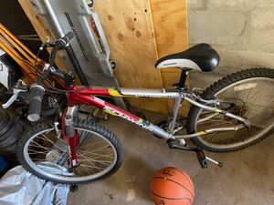Schwinn mountain bike for Sale in Winter Haven, FL