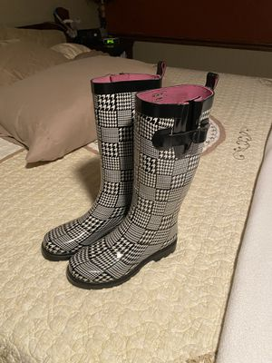 Size 6 Rain Boots for Sale in Ringgold, GA