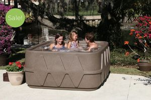 Dream maker Hot Tub / Spa / jacuzzi for Sale in Union Park, FL