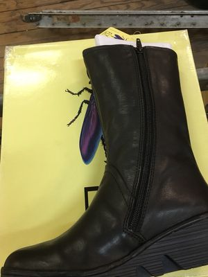 Fly London women's euro size 36 boots for Sale in St. Louis, MO