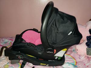 Urbini car seat / carrier pink and black for Sale in Providence, RI
