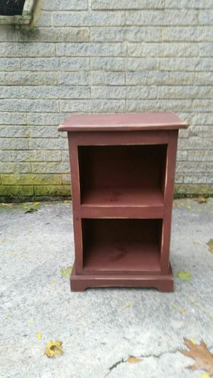 End table /small book shelf for Sale in Manchester, MD