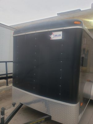 2012. 6x10 Air Lite like new for Sale in Chicago, IL