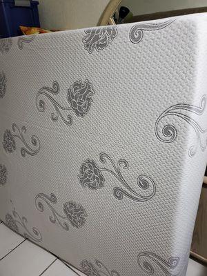 Queen mattress for Sale in Miami, FL