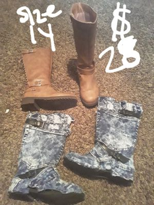 SUNDAY SALE....girls boots bundle size 1y for Sale in Suitland, MD