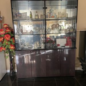 China Cabinet !!! Cherry Wood for Sale in Las Vegas, NV