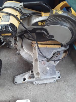 Dewalt table saw (needs blade) for Sale in Virginia Beach, VA