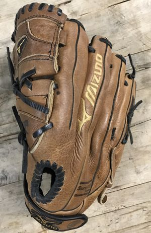 "Mizuno GPL1257 12.5"" Fastpitch Softball Glove for Sale in Lanham, MD"