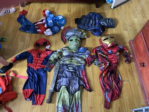 Costumes for kids size 3 used one time comes with mask they Are in agood condition for Sale in Lynwood, CA