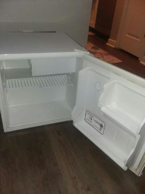 HAIER MINI FREEZER& REFRIGERATOR for Sale in Smyrna, TN