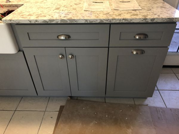 Kitchen cabinets & counter top