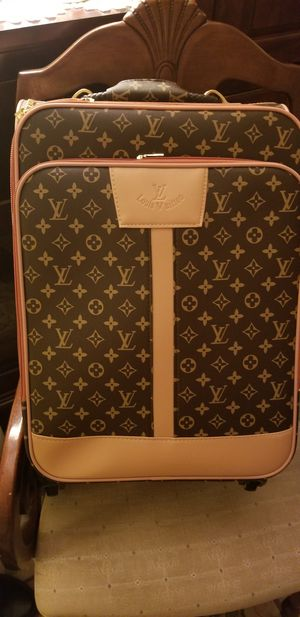 DESIGNER CARRY ON! BRAND NEW AND WHAT A STATEMENT! for Sale in Ridgefield, WA