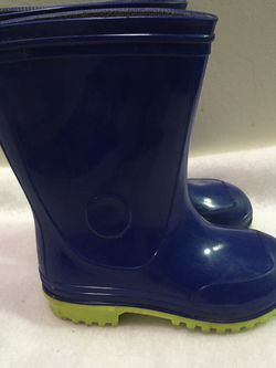 Toddler boys size 8 rain boots for Sale in Cicero,  IL