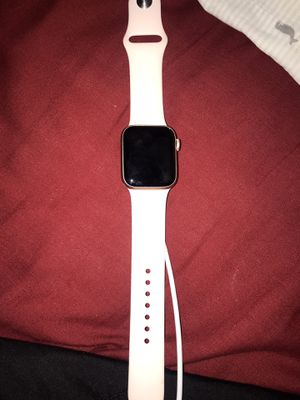 Apple Watch 5 for Sale in Fort Washington, MD