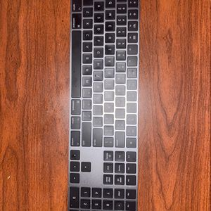 Apple Space Grey Keyboard for Sale in Hayward, CA