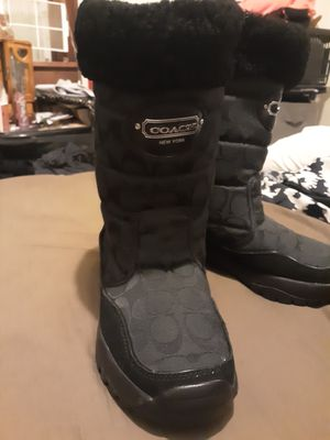 COACH SNOW BOOTS BLACK SIZE 8 WORE 1 TIME for Sale in East Peoria, IL