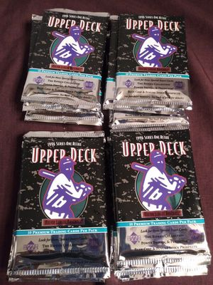 18 packs of 1996 Upper Deck foil packs look for the special inserts for Sale in Moreno Valley, CA
