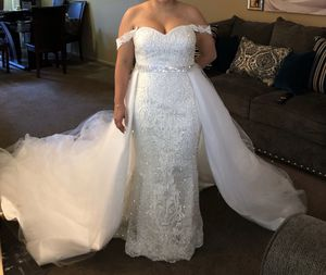 Wedding dress 2in1 detachable skirt for Sale in Paramount, CA