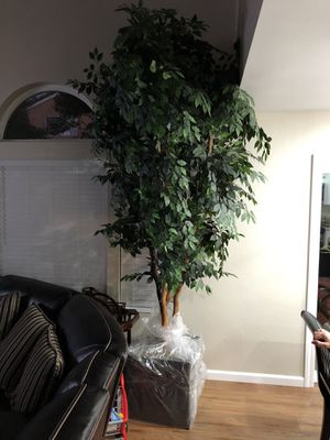 Synthetic Tree 12ft Tall for Sale in Ontario, CA