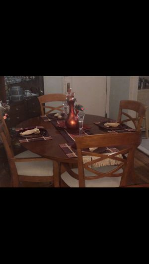 Dinner table with chairs & TV bundle package for Sale in Queens, NY