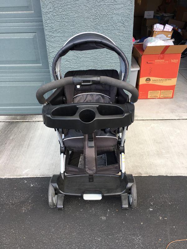 Graco infant car seats & Graco twin stroller
