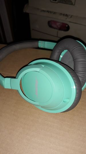 BOSE Headphone, no cable for Sale in Waddell, AZ