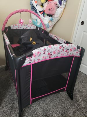Minnie Mouse Pack N Play/Bassinet for Sale in Beaumont, CA