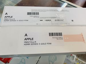 Apple Watch Series 5 GPS 40 MM Excellent Condition With Warranty for Sale in Cambridge, MA