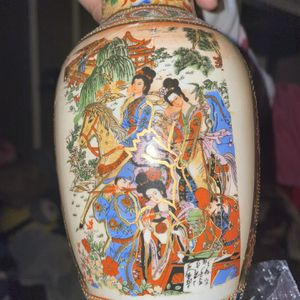 Chinese Vase for Sale in Los Angeles, CA