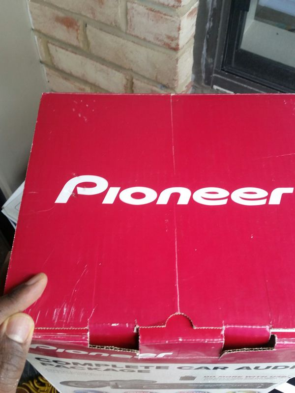 4 brand new Pioneer speakers