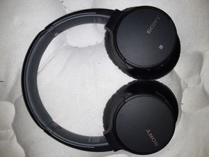Sony noise cancelling headphones for Sale in Vallejo, CA