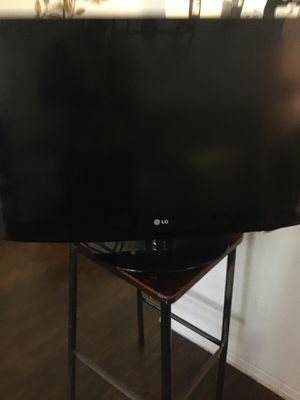 32 Inch LG TV for Sale in Kissimmee, FL
