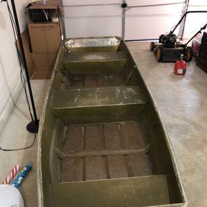 Jon Boat for Sale in Petersburg, VA