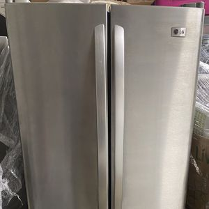 Lg Stainless Steel 3 Door Refrigerator 30w 30L 67H for Sale in Ceres, CA