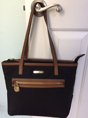 Authentic MICHAEL KORS 👜in good condition for Sale in Surprise, AZ
