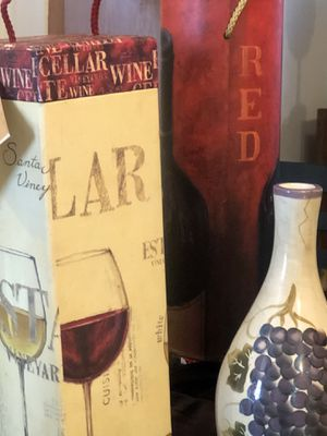 Wine themed kitchen decorations for Sale in Berkeley Springs, WV