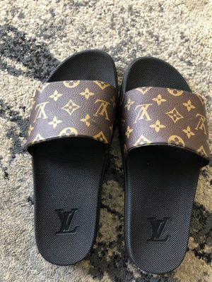 Louis Vuitton Slides for Sale in Maple Heights, OH