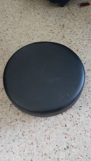 """PADDED SHOP BAR STOOL CUSHION SEAT 16"""" X 3"""" """"LIKE NEW"""" NO OFFERS, PRICE IS FIRM for Sale in North Miami, FL"""