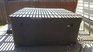 6 person hot tub for Sale in San Antonio, TX