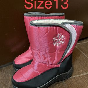 Girl Snow Boots Size 13 for Sale in Los Angeles, CA