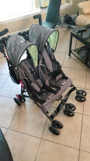 Delta children double stroller for Sale in Sebring, FL